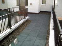 epdm walkway with black recycled tiles